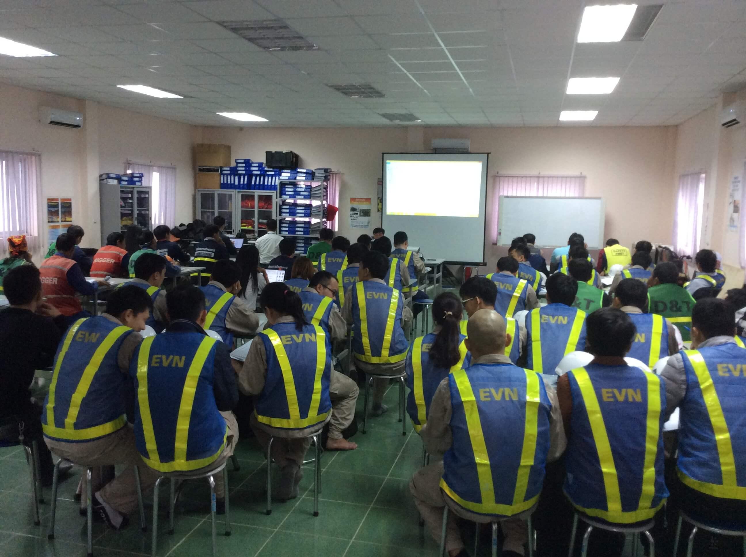 Thông báo mở lớp huấn luyện an toàn điện | Theo TT31/2014/TT-BCT