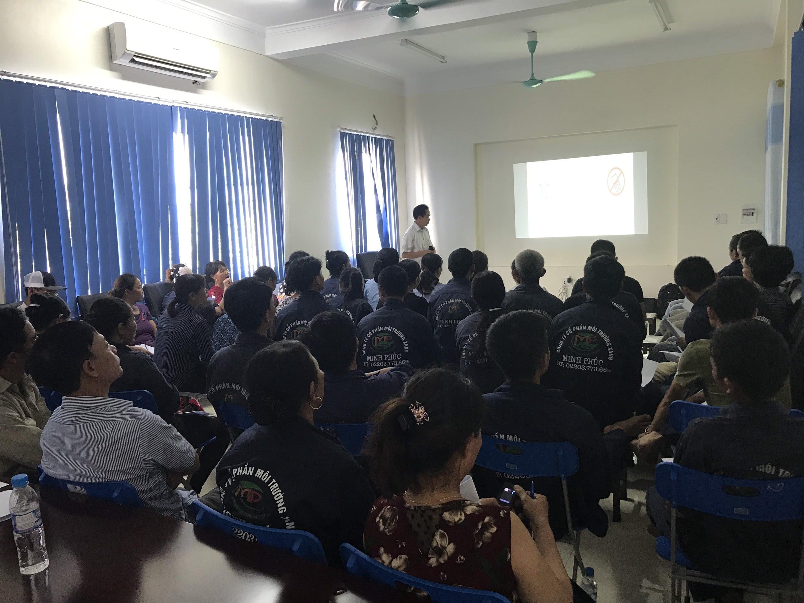 Huấn luyện an toàn, vệ sinh lao động tại Công ty cổ phần môi trường xanh Minh Phúc