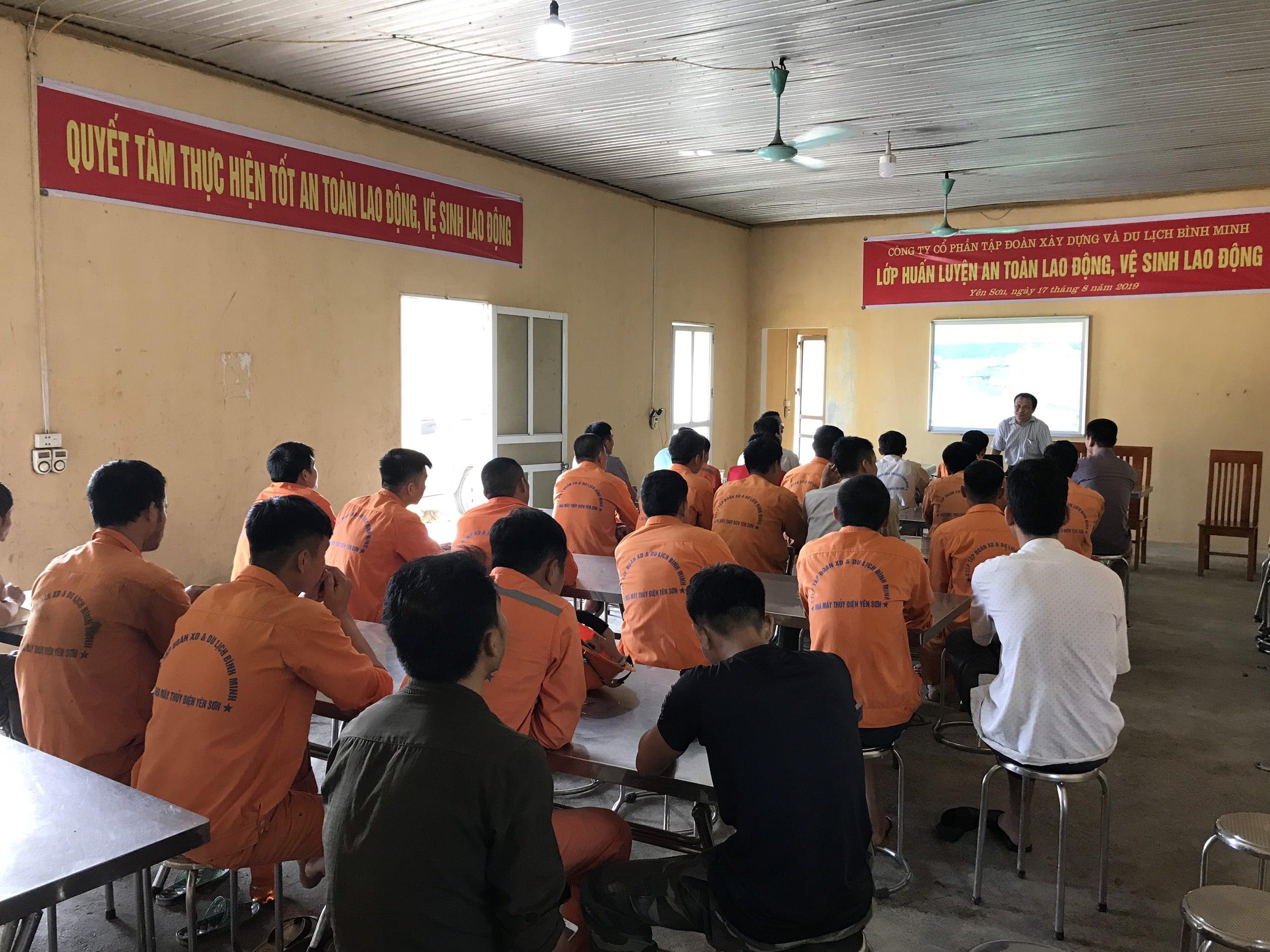 Huấn luyện an toàn, vệ sinh lao động tại Nhà máy thủy điện Yên Sơn Năm 2019