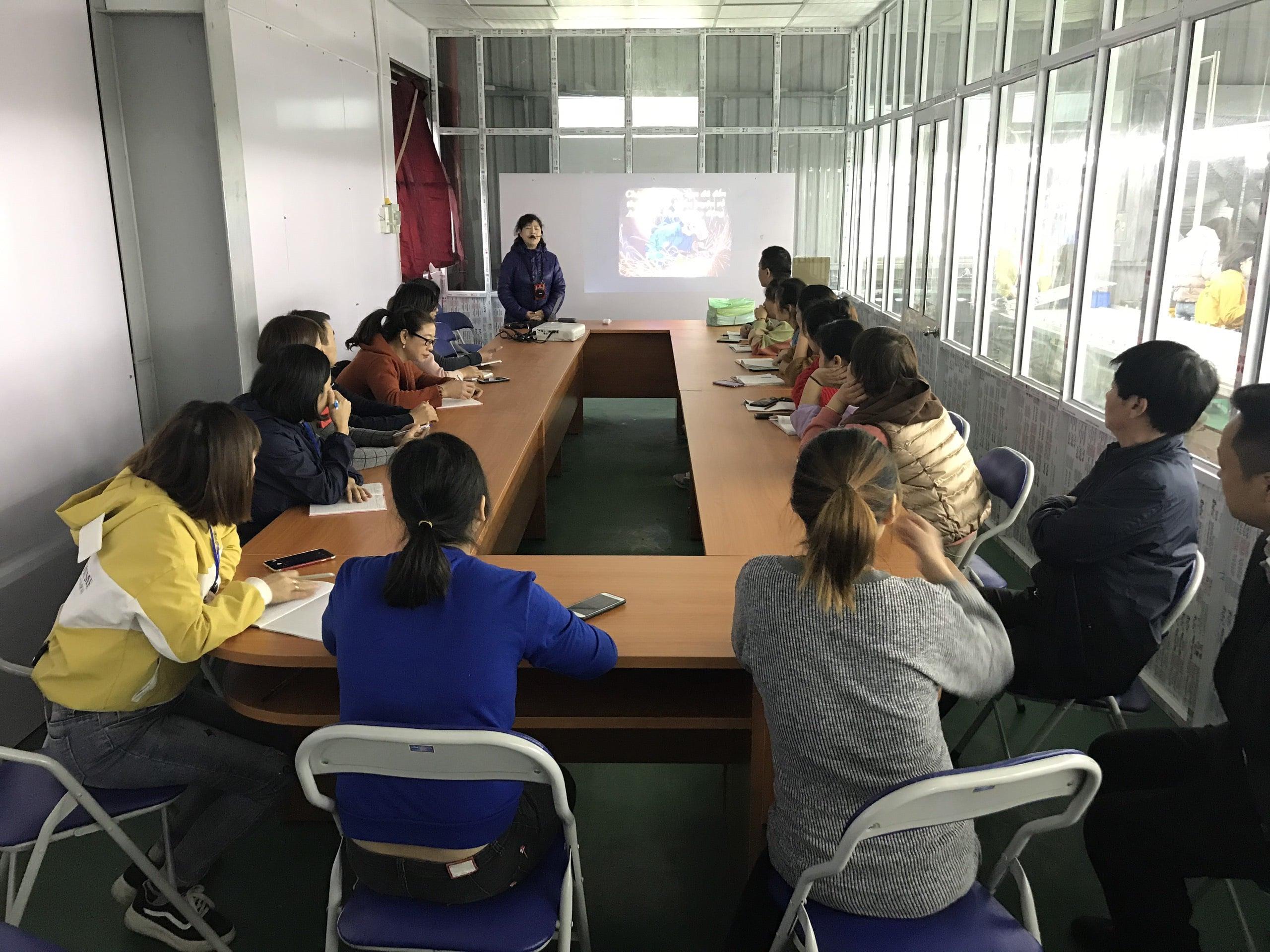 Huấn luyện an toàn, vệ sinh lao động tại công ty TNHH da giầy xuất khẩu Thuận Phát